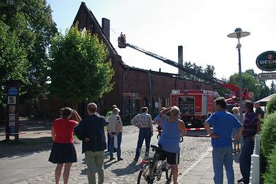 Die Brandruine von der Klosterstraße