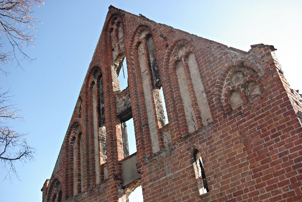 Vom Abriß bedroht: der Nordwestgiebel des Brauhauses Himmelpfort. Dabei ist dies eines der wenigen gut erhaltenen Exemplare mittelalterlicher Wirtschaftsgebäude. Ein Abriß wäre ein unwiederbringlicher Verlust.